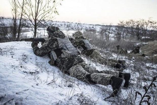 Сутки в ООС: ранены двое военных, росСМИ распространяют фейки об обстрелах