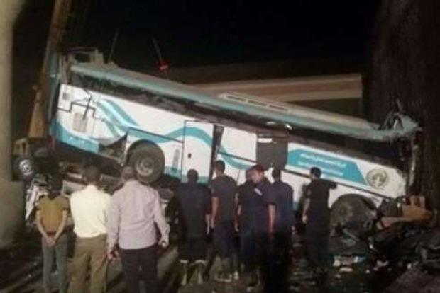 Автобус сорвался с эстакады в Египте: 14 погибших, более 40 пострадавших