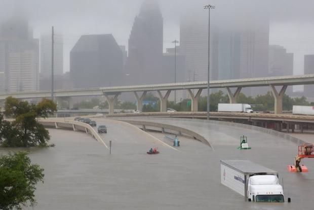 Леонардо Ди Каприо выделил $1 миллион жертвам урагана Харви