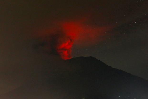 Райский курорт Бали страдает от стихии: жуткие кадры