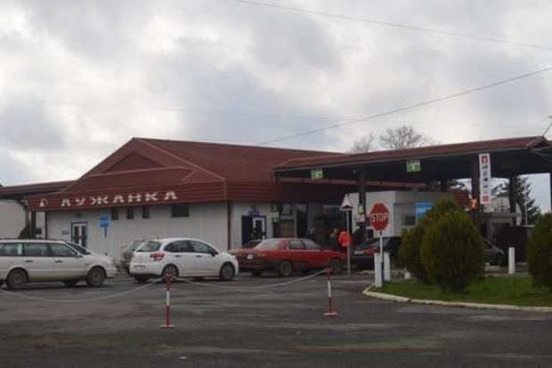 Польша обвинила Украину в огромных очередях на границе