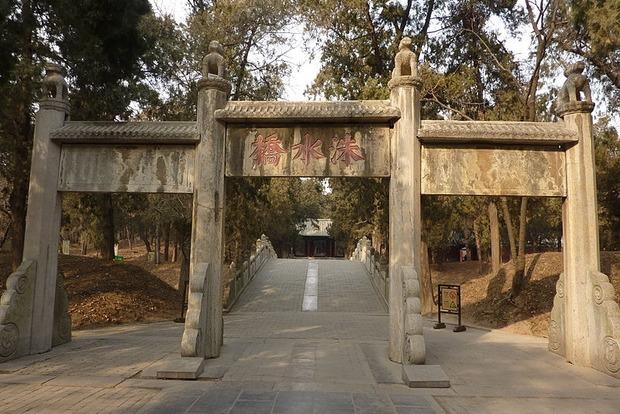В Китае обнаружили 2000-летнюю гробницу