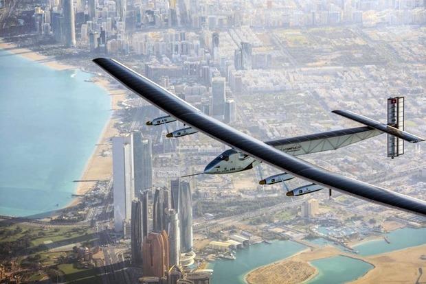 Через Атлантику отправился самолет Solar Impulse 2 на солнечных батареях