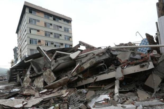 Число жертв землетрясения в Эквадоре превысило полтысячи человек