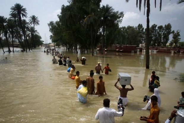 В Пакистане из-за наводнения погибло 92 человека
