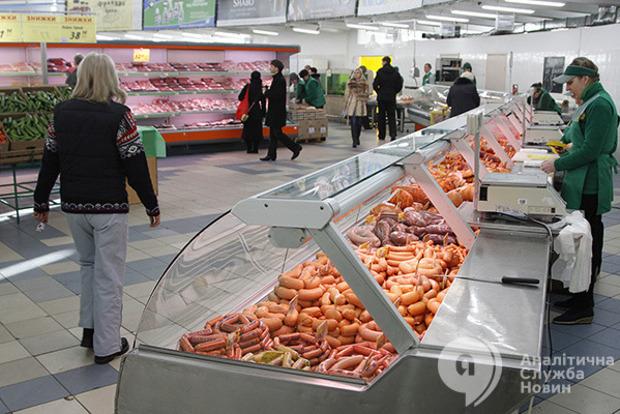Так кто много ест? За один поход в магазин украинцы тратят в 6 раз меньше, чем поляки