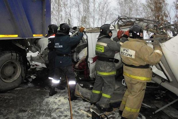 Жуткое ДТП с автобусом в России: погибли девять детей