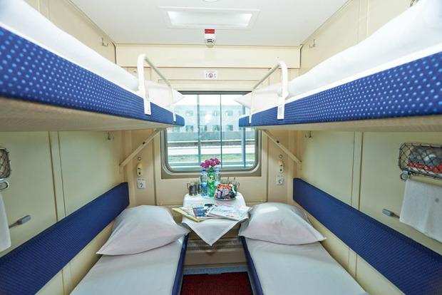 «Укрзализныця» опубликовала 5 лайфхаков для безопасного секса в поездах