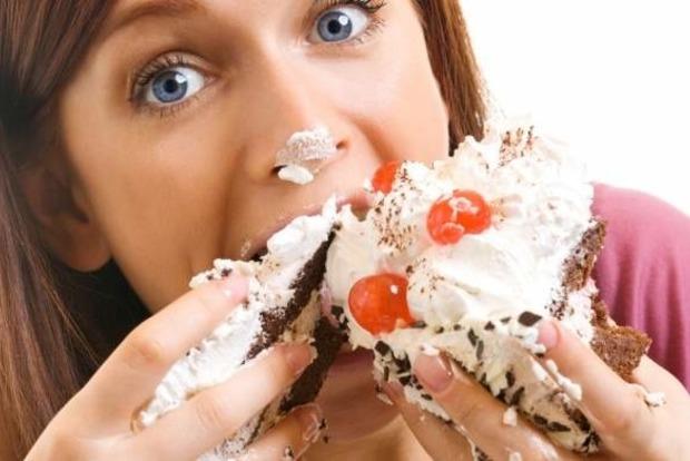 7 симптомів, які говорять, що ви їсте занадто багато цукру