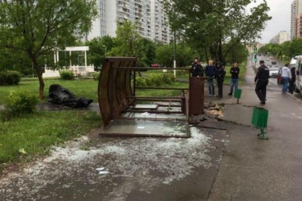 Ураган в Москве: число жертв растет, среди погибших - ребенок