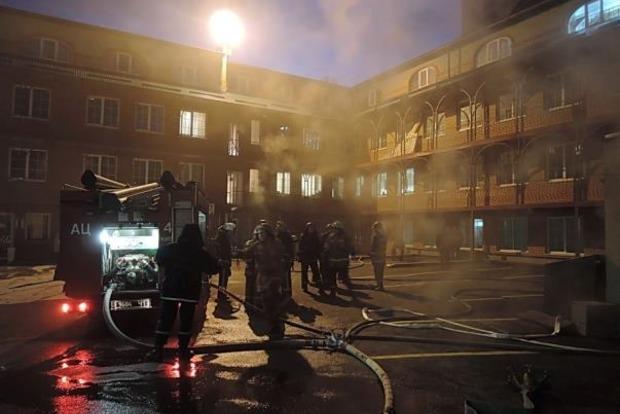 В Киеве во время пожара эвакуировали 50 человек