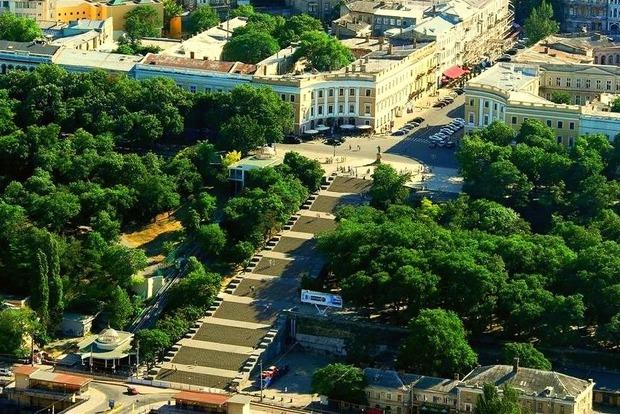 В Одессе Потемкинскую лестницу полностью закрыли для пешеходов