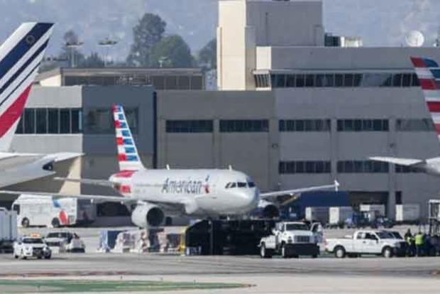 В США столкнулись пассажирский Boeing и грузовик, есть пострадавшие