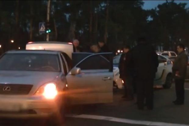 В Киеве сбили полицейского, нарушителя задерживали со стрельбой