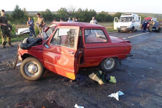 В Луганской области произошло лобовое столкновения машин, погибла женщина