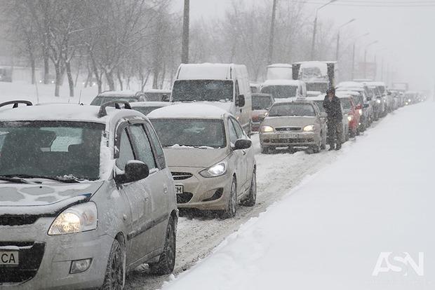 ВУкраїні через негоду знеструмлено 63 населених пункти