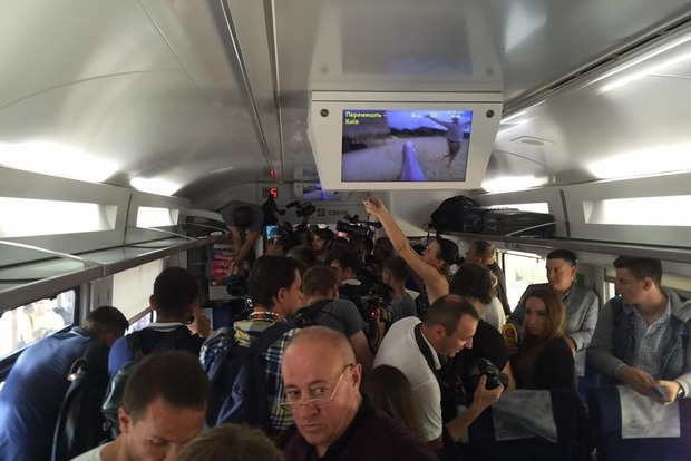 Саакашвили решил въехать в Украину на поезде «Интерсити»