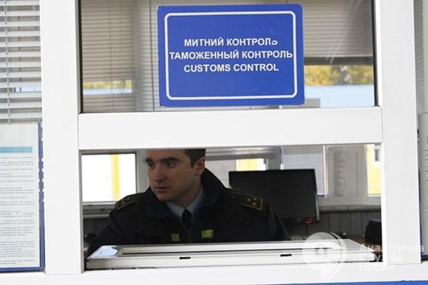 Порошенко поручит СБУ усилить контроль за работой таможни