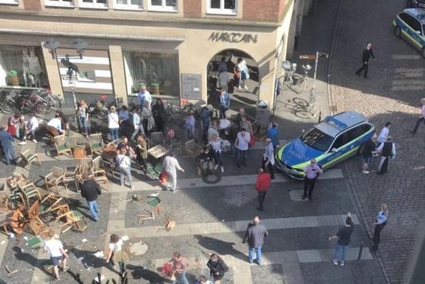 Наезд на людей в Германии совершил псих-самоубийца