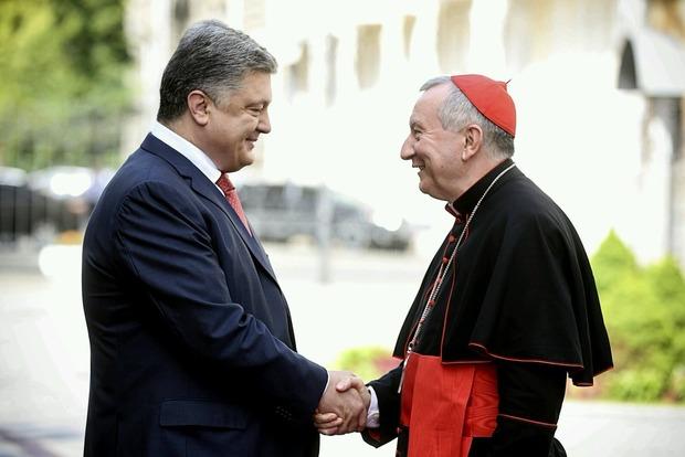 Президент встретился с секретарем Святого Престола