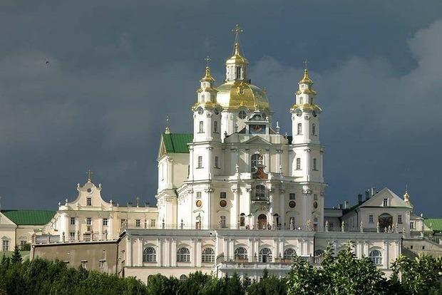 Полиция начала расследование по факту передачи Почаевской лавры УПЦ МП