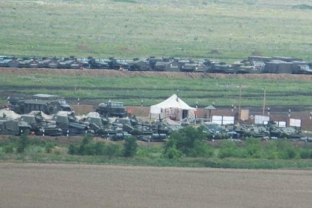 Киев проинспектирует военные базы России у границы с Украиной