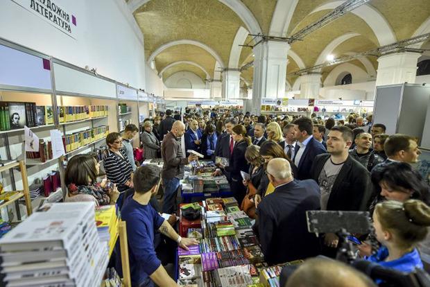 Украинцы потратили накниги неменее $100 млн