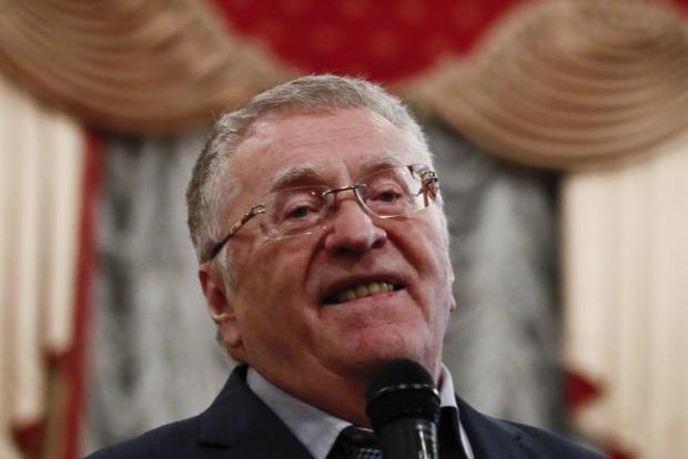 Держите, холопы! Жириновский раздавал деньги россиянам на Красной площади