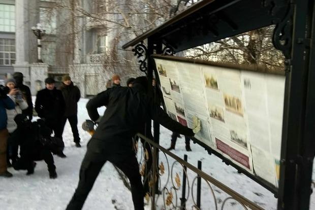 Комісія КМДА підтримала знесення самовільної забудови МП біля Десятинної церкви