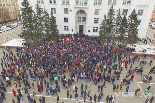 Жертв больше, чем признают власти: жители Кемерова подняли бунт из-за пожара