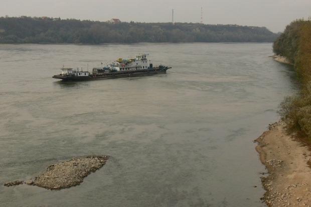 Украина временно прекращает навигацию по Дунаю