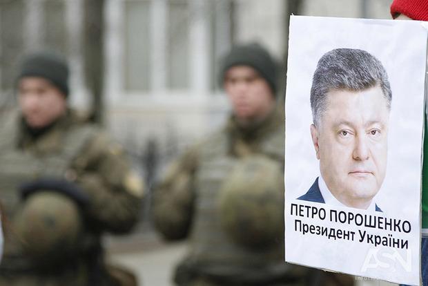 Другий тур президентських виборів: Порошенка і Тимошенко не хочуть майже 50% виборців - опитування