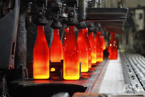Мусороперерабатывающие предприятия завозят сырье из-за рубежа. Украинцы так и не начали сортировать отходы