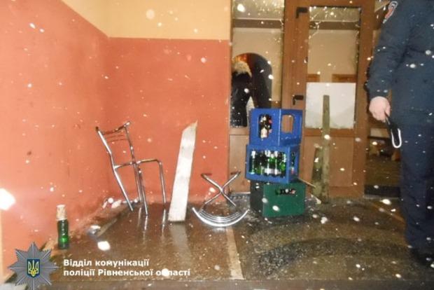В Ровенской области местные жители избили и обстреляли гостей с Волыни