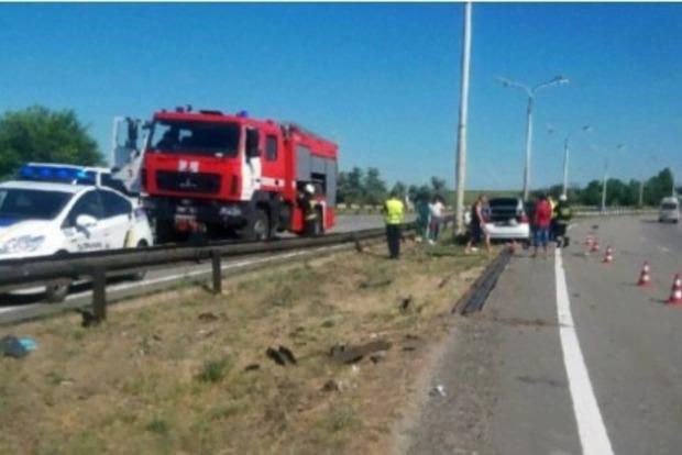 Не вложился в поворот: трое людей погибли в ДТП в Днепропетровской области