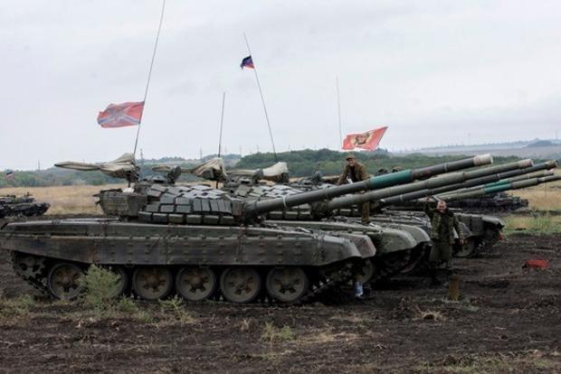 У террористов ДНР сгорели девять танков