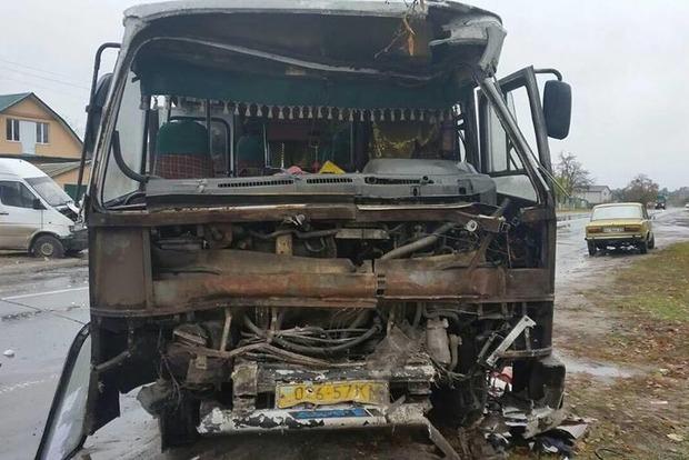 Два пассажирских автобуса разбились под Киевом, есть жертвы