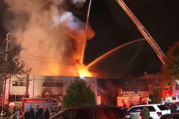 При пожаре в ночном клубе США погибли 9 человек
