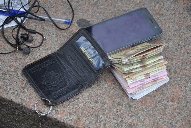 Николаевский полицейский «погорел» навзятке 9 тыс. грн