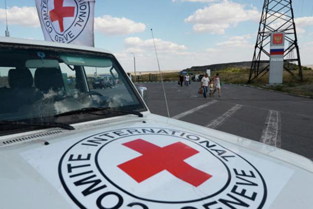 Зайцево впламени: террористы открыли стрельбу вовремя раздачи гуманитарки
