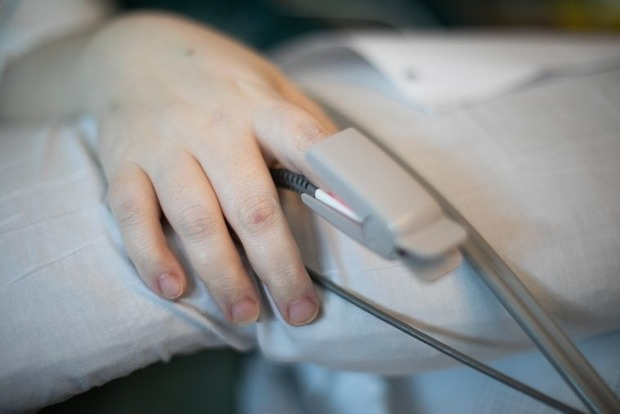 От коронавируса умерла 14-летняя украинка: во всем винят родителей