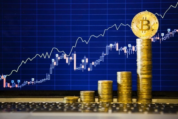 Цена Bitcoin впервые превысила $5 тысяч