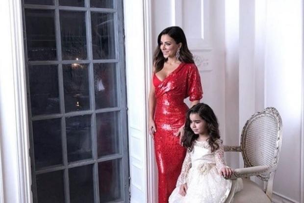 Опальная Ани Лорак провела фотосессию с дочкой