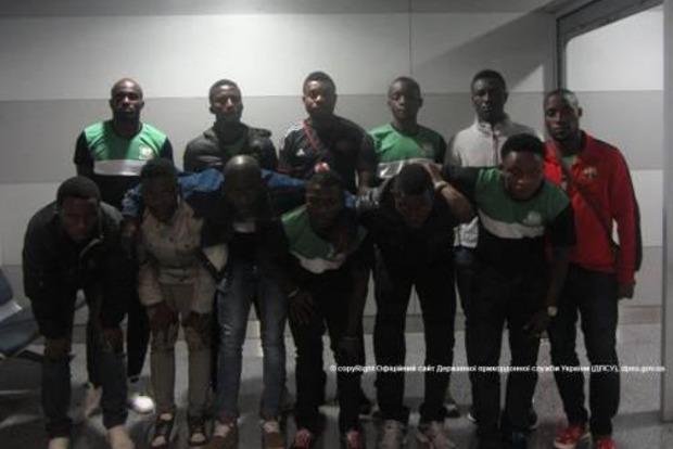 В «Борисполе» через границу не пустили нигерийскую «футбольную команду»