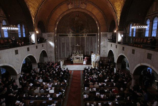 Шведская церковь решила, что бог не мужчина