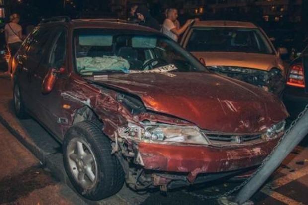 Пьяный евробляхер в Киеве разбил семь машин и уснул