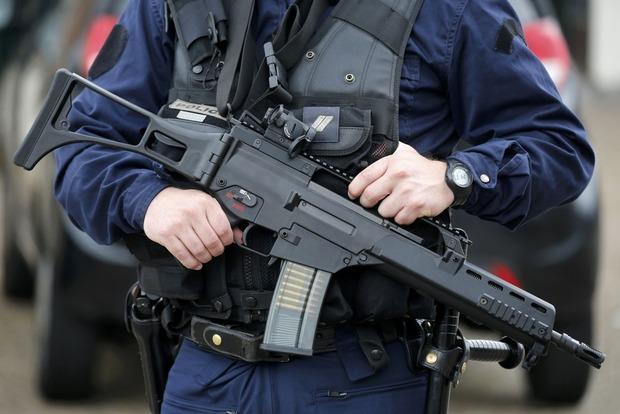 Во Франции в преддверии выборов предотвратили жестокий теракт