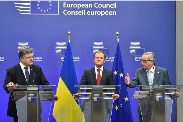 Порошенко: В ближайшие часы ЕС примет решение о продлении санкций против России