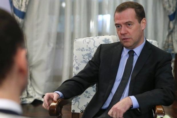 Медведєв погрожує НАТО страшним конфліктом