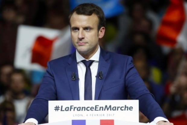 Макрон проголосовал на выборах президента Франции